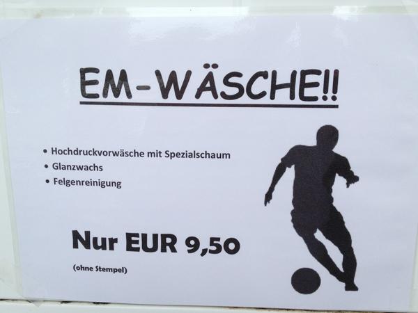 Autowäsche - ein typisches Fußballprodukt