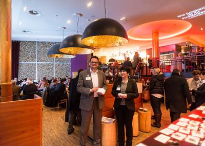 Dr. Oliver Ratajczak und Sabine Ruthenfranz begrüßen die Gäste